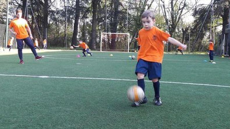 Immagini Di Calcio Per Bambini : Aurora desio due mesi di calcio gratis per i bambini qui