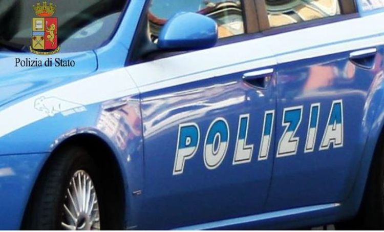 Blitz antidroga della Polizia: arresti e sequestri