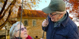 Sei over 65? Yoga, meditazione e buona vita sono ad offerta libera